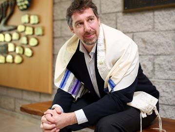 Rabbi Stephen Wise of Oakville's Shaarei Beth-El Congregation