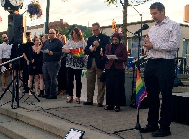 Oakville pays tribute to victims of shooting in Orlando