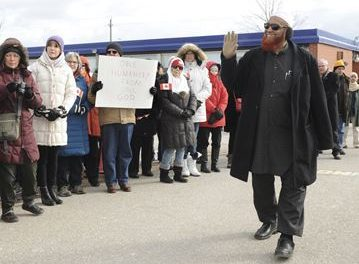 Oakville Peace Circle Shows Support For Mosque